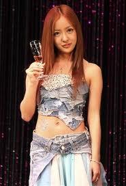 【7/9:AKBニュース】AKB48・板野友美、大胆衣装にシャンパンでハタチの実感「大人の女性になりたい」